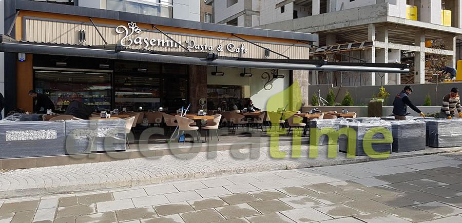 Yasemin Pasta Cafe Camlı Fiber Saksı Uygulaması